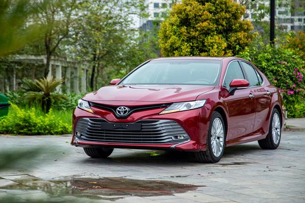 Toyota Camry 2019 - lựa chọn hợp lý ở phân khúc sedan cao cấp