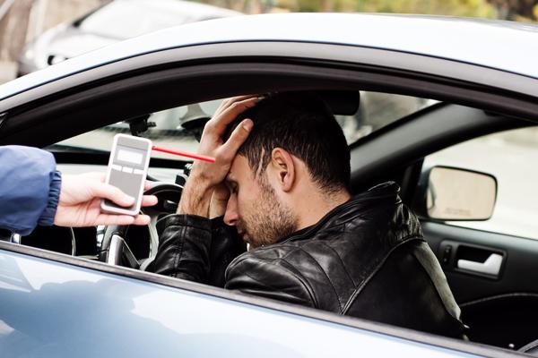 Mức phạt nồng độ cồn khi lái ô tô ở 1 số nước