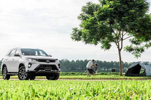 Toyota Việt Nam chính thức giới thiệu Fortuner 2021 và áp dụng mức giá bán lẻ mới cho mẫu xe Toyota Rush