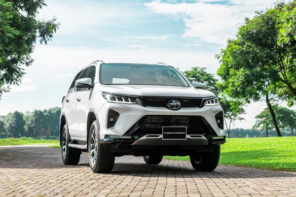 Toyota Bán Được gần 9.000 xe trong tháng 10, Cross lần đầu trong top 10, Vios vững ngôi vương